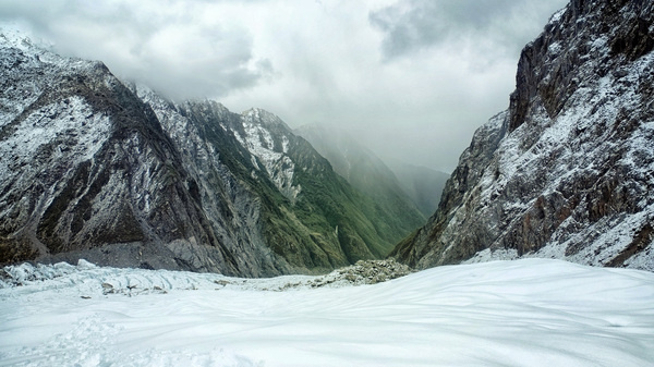 http://oldmate-creative.tumblr.com/post/69067058782/looking-down-the-valley-from-the-franz-josef #landscape #moody #winter
