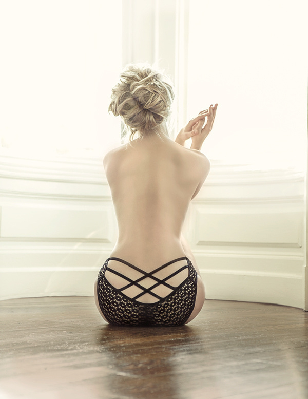 Filiz Rezvan Lingerie on Behance #lingerie #underwear