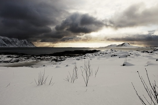 Jakob Nylund / #horizon #photography #snow #cold