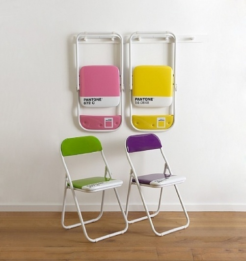Pantone Chair & Christmas Ornaments #pantone #chairs
