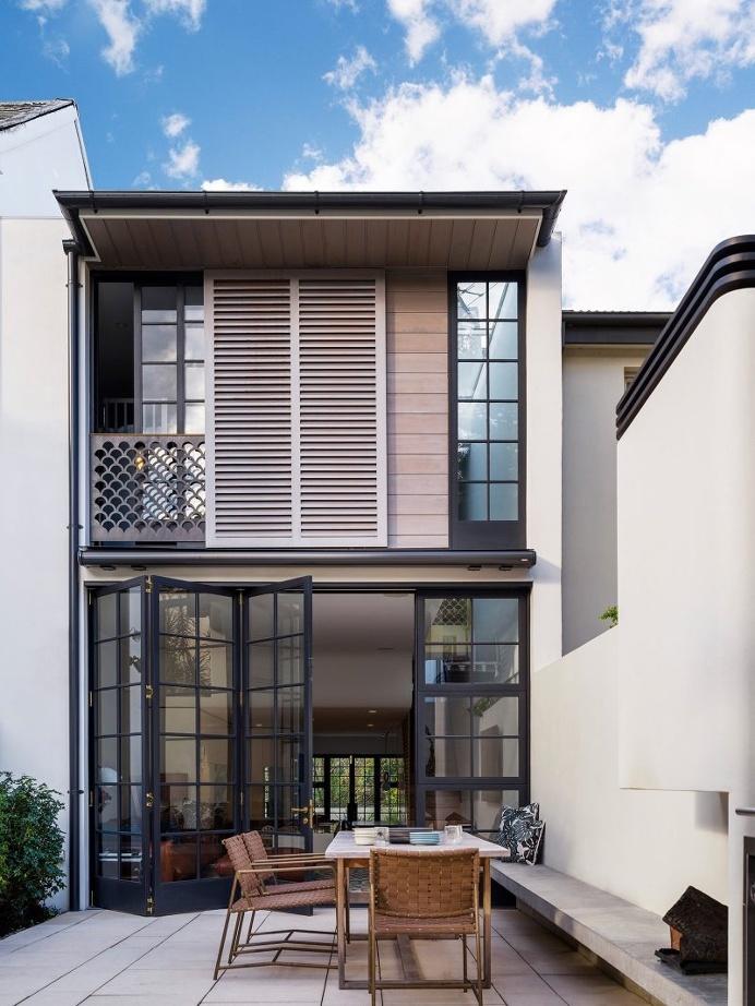 Bougainvillea Row House / Luigi Rosselli Architects