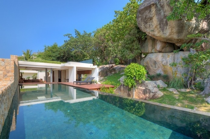 Exotic Holiday Villa in Thailand Built Around Natural Rock Formations #nature #architecture #holiday #thailand #villa