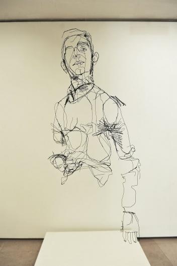 5-meio+nu%2C+2012%2C+130cmX60cmX30cm%2C+arame.JPG (JPEG Image, 1065×1600 pixels) #sculpture #wire #sketch #portrait