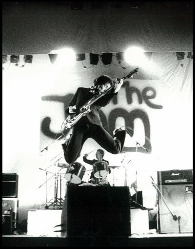 Google Image Result for http://www.ussu.co.uk/files/from_the_jam_with_bruce_foxton__rick_buckler_photo_(c)_pennie_smith.jpg