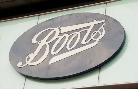 boots-20the-20chemist.jpg (1030×666) #script #sign #signage #type #typography