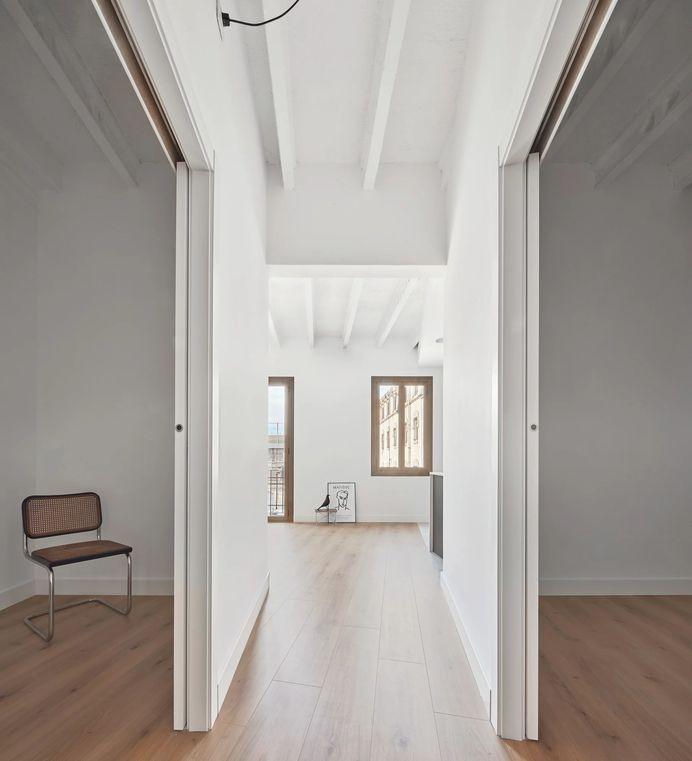Entença Apartment by Lab
