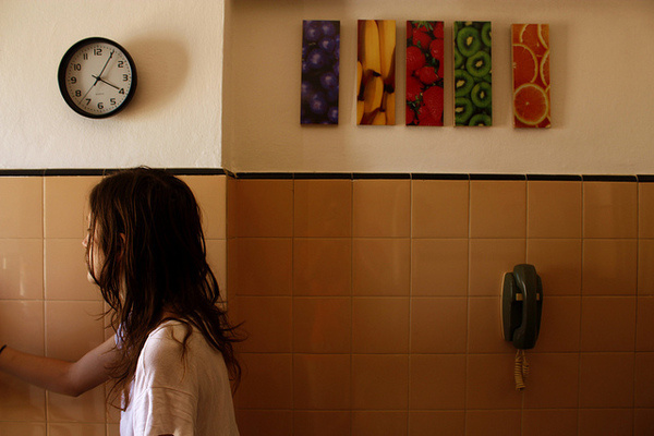 photo #pictures #girl #photo #kitchen #clock #telephone