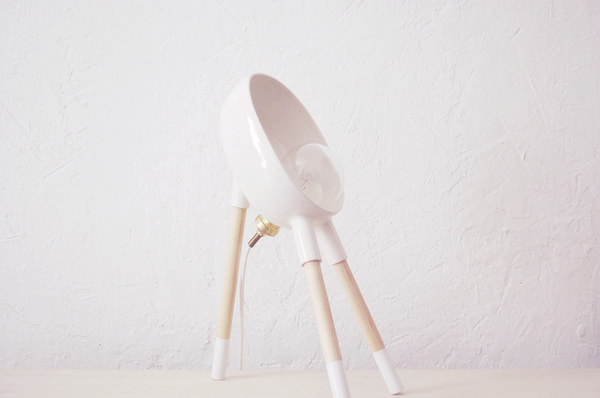 Beabop Lamp - Sergio Guijarro | Ceramic, brass and wood. http://sergioguijarro.com/projects/beabop/ #bulb #lamp #beabop #sergio #ceramics #design #wood #art #guijarro #light