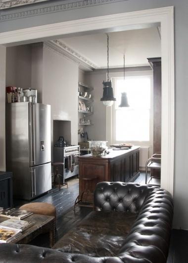 tumblr_lud2shZLuB1qb3jnco1_1280.jpg (600×836) #sofa #living #kitchen #chesterfield #room