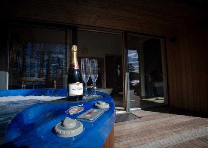 Dream Wedding Cottage - Knoydart Hide
