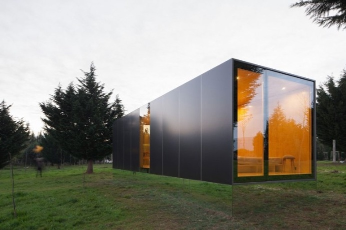 MIMA Designs a Sleek Portable Home