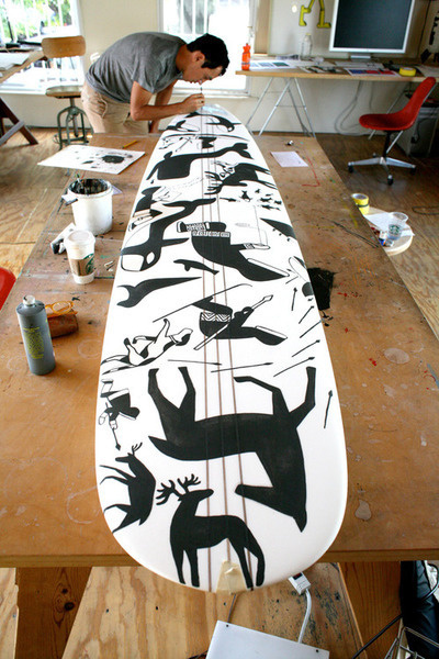 It is almostridiculoushow good this dude is #illustration #surf #board