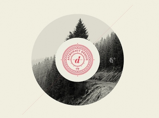 astronaut #circle #design #mountains #vintage