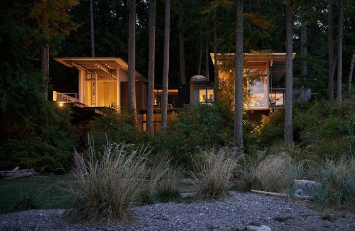 A 1959 Forest Cabin Was Turned into a Weekend Retreat in Rural Washington 1