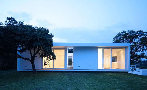 Aurelia House by Jorge Hernandez De La Garza #modern #design #minimalism #minimal #leibal #minimalist