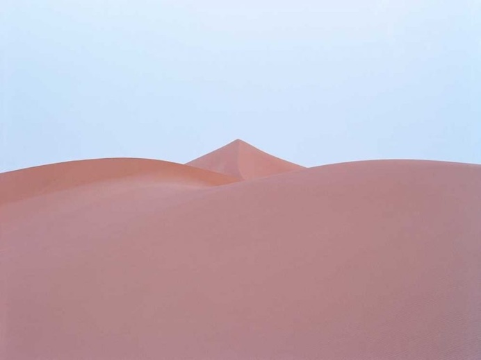 Minimalist and Surreal Landscape Photography by Luca Tombolini