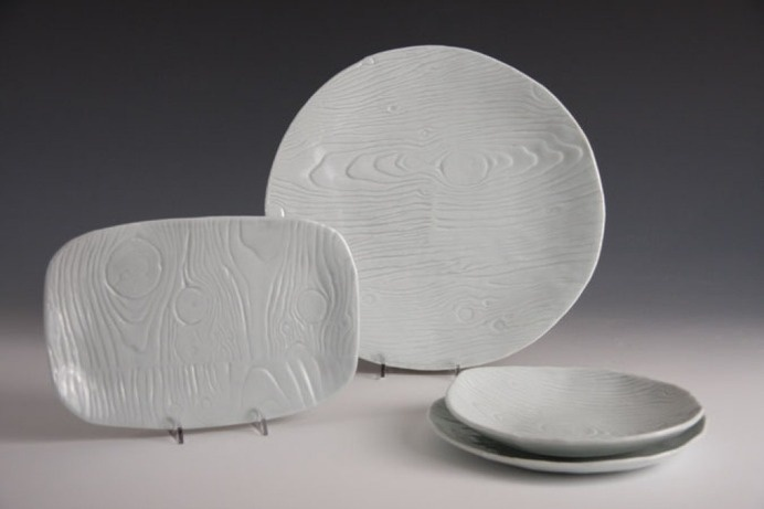 Jill Birschbach : Wood Grain Porcelain Plates #wood #ceramic #grain