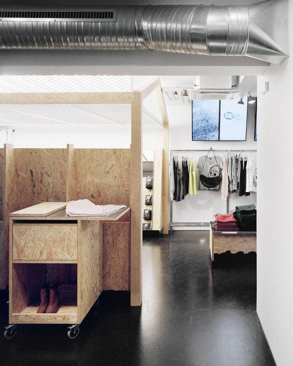 Weekday Store By Gonzalez / Haase / AAS #retail