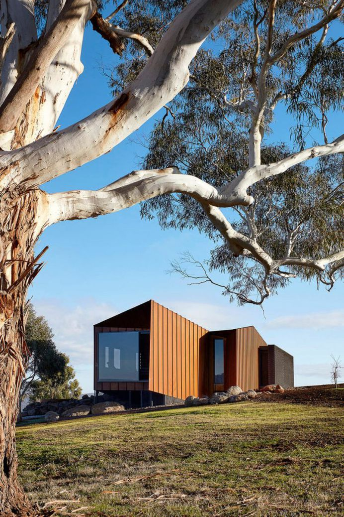 Breakneck Gorge Oikos Designed as an Indulgent Retreat from the City