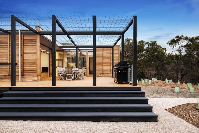 Light House – Advanced Prefab Architecture