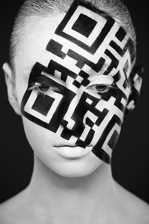 b_w_faces_6 #qr #paint #face #code