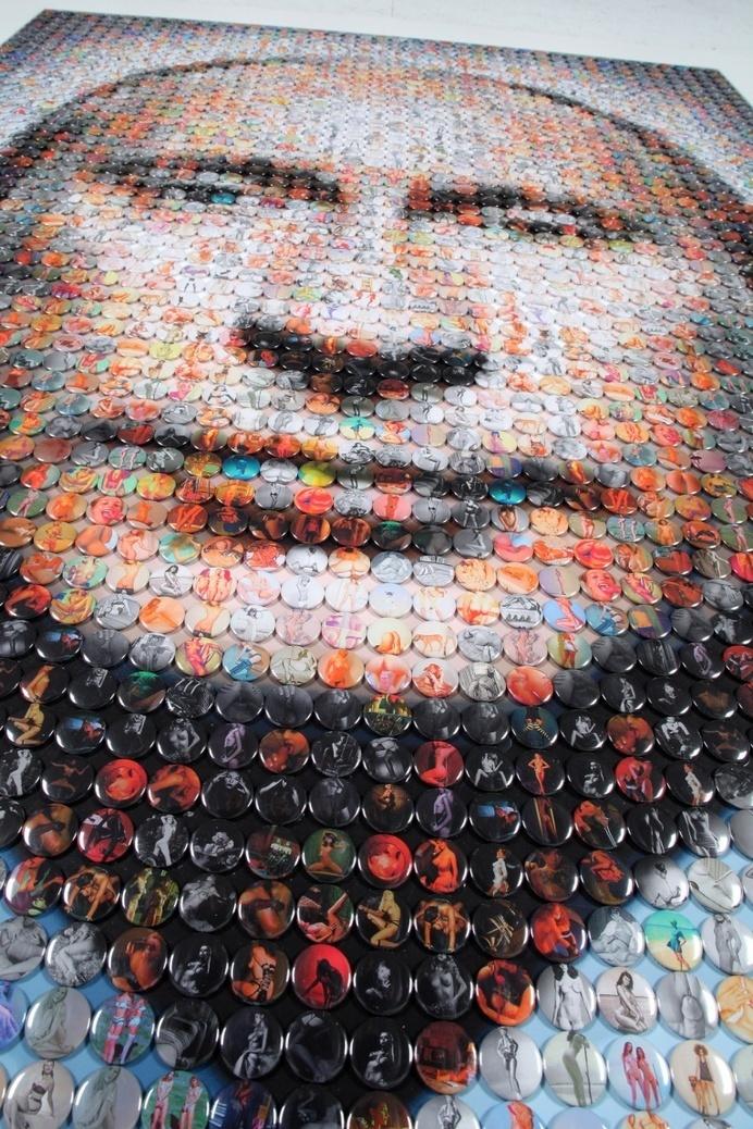 Vladimir Putin Portrait made with 2,500 badges - JOQUZ #badges #putin #portrait #art