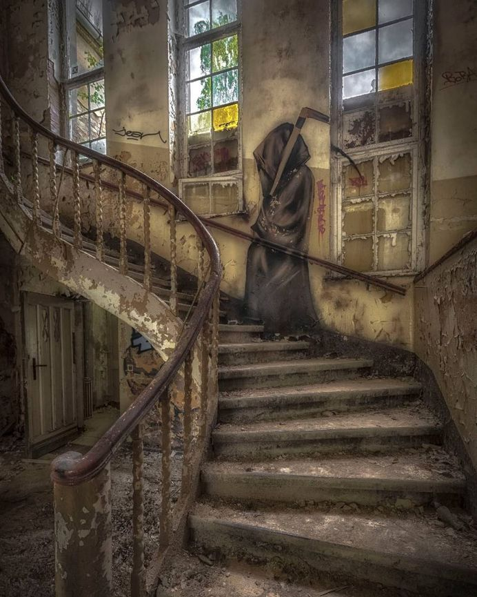 #abandoned_greece: Urbex Buildings Around Europe by Kelly Jean