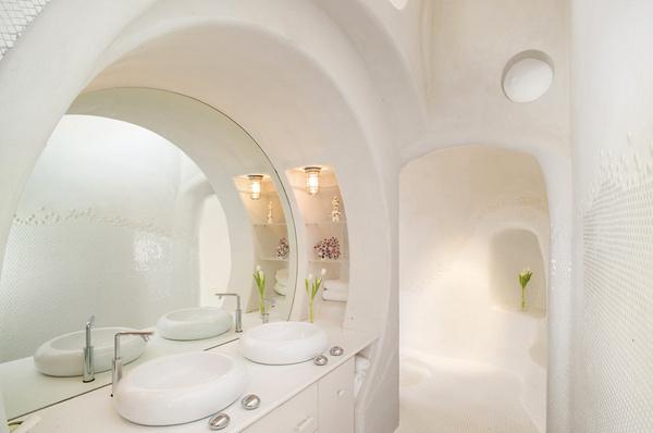 Unique bathroom atmosphere - Bathroom lighting #interior #design #bathroom #bathtub #decoration