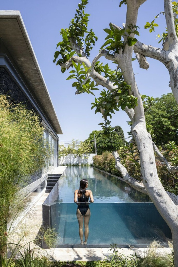 Contemporary Pavilion Residence with Linear Swimming Pool 10
