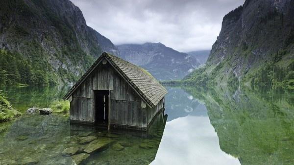 Via: onebigphoto.com #abandon #place #photography #building
