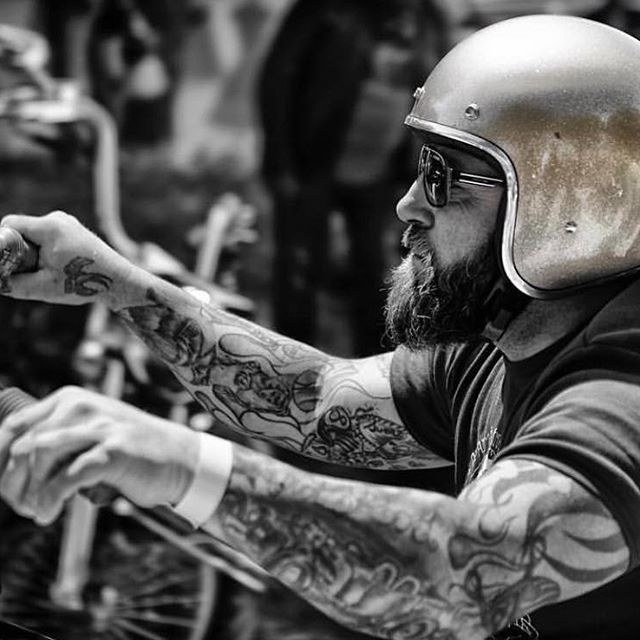 ☠️Rider portrait by @migpinphoto #SaturdayVibes #GetOutAndRide #BeCool Bobber Chopper Harley Davidson Motorcycle Lifestyle Custom Cultur
