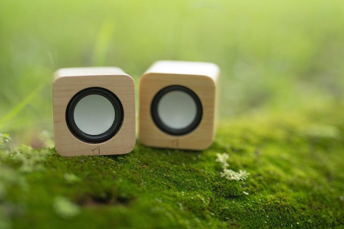 5cm Super Portable Wood Crafted Speaker #tech #flow #gadget #gift #ideas #cool