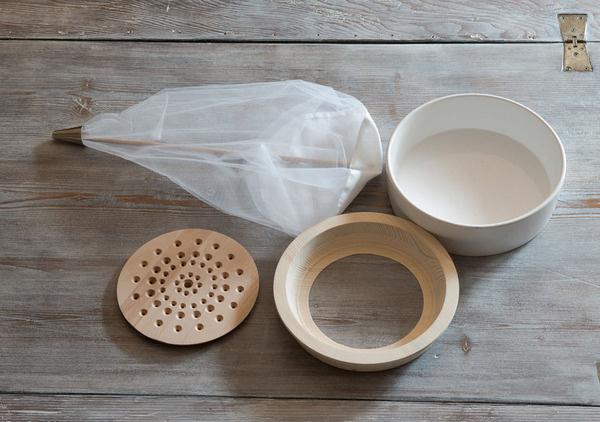 Urban Survival Kit by Sottoscala Design #minimalist #design #minimal
