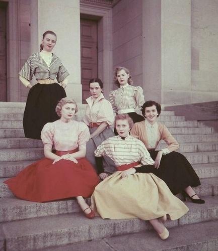 fashion-50s.jpg 433×500 pixels #50s #photography #retro #vintage