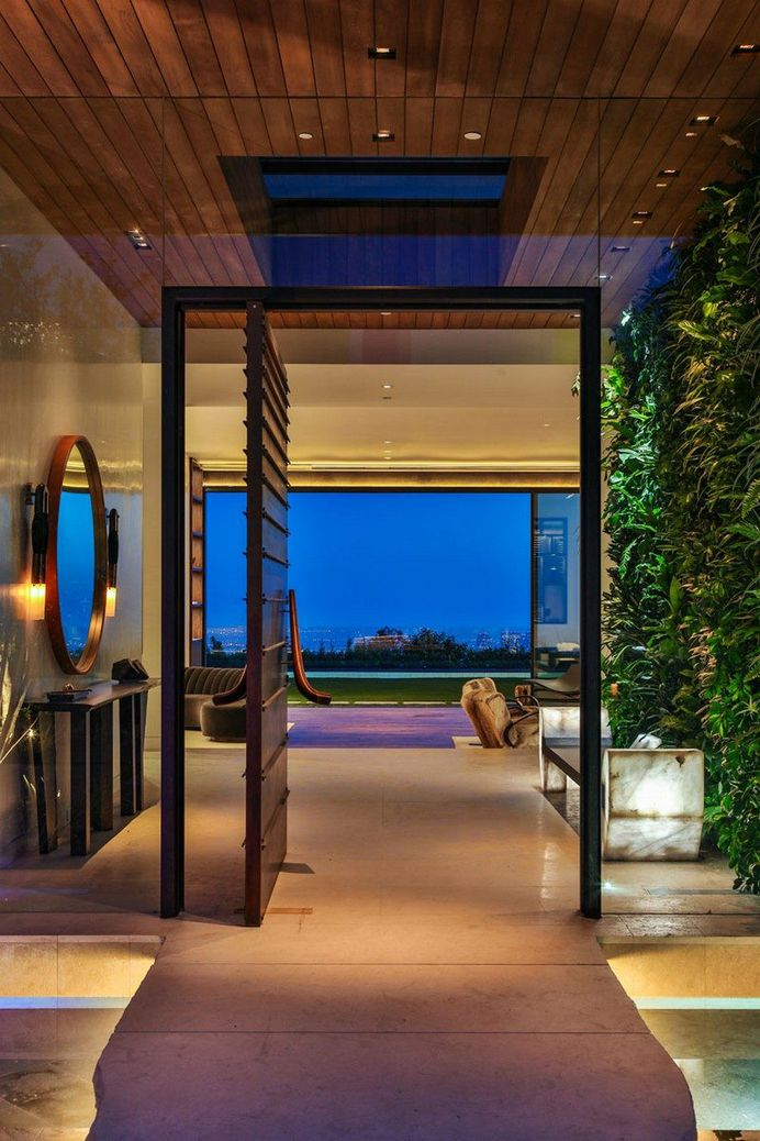 Trousdale House: Complete Renovation and Addition to the Existing Home 9