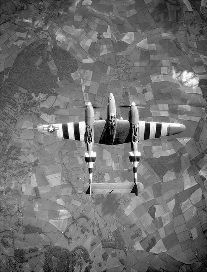 Tumblr #white #invasion #p-38 #wwii #stripes #aircraft #black #lightning #and
