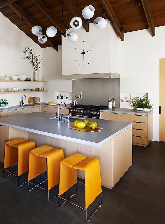 Portola Valley Courtyard House by Butler Arsmden Architects