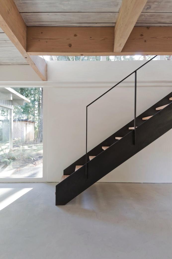 North Vancouver House by Scott & Scott Architects. #scottandscottarchitects #staircase #minimal