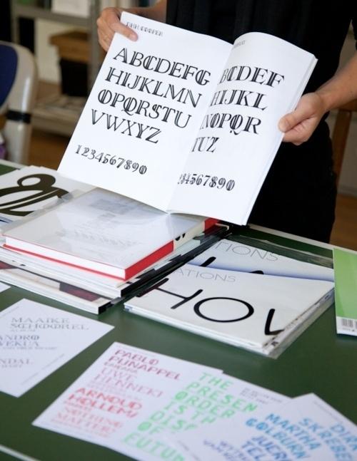 Vajza N'kuti #type #print #typeface #book