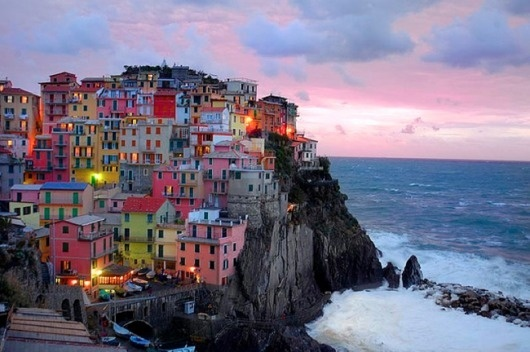 cinque terre, italy {colourful places & spaces} « plenty of colour #urbanism #architecture