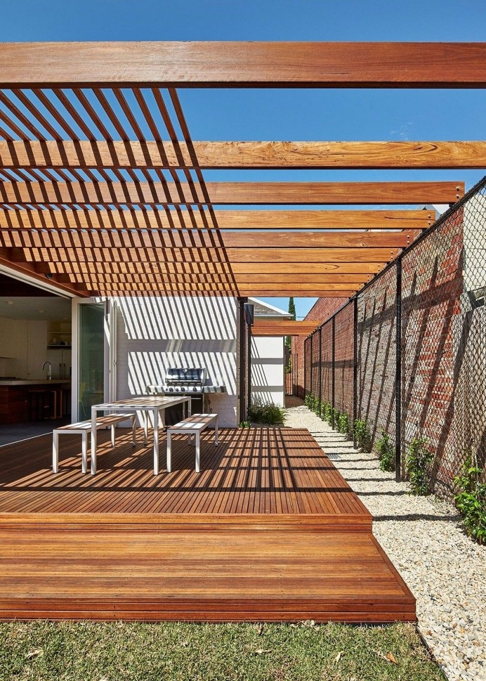 Modern Home Extension That Weaves Together Interior and Exterior Spaces 3