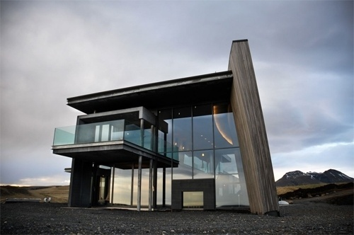 Casa G by Gudmundur Jonsson. House located in... - The Black Workshop #design #architecture #home #modern
