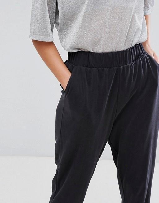 Monki   Monki – Lässige Hose mit hoher Taille