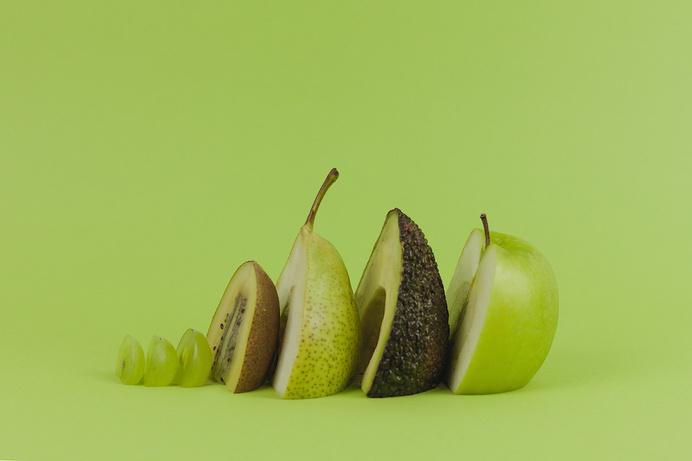 Sunday Pleasure – Homemade Smoothies   iGNANT.de #photo #smoothie #fruits #recipe #green