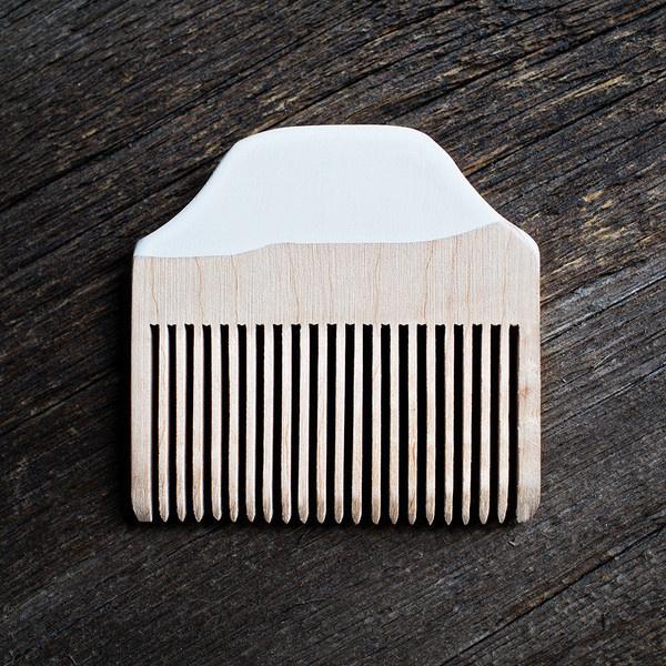 Vanilla Dip Beard Comb