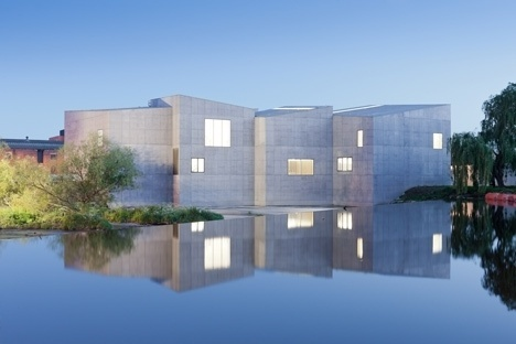 Dezeen » Blog Archive » The Hepworth Wakefield by David Chipperfield Architects #museums #concrete #architecture #white