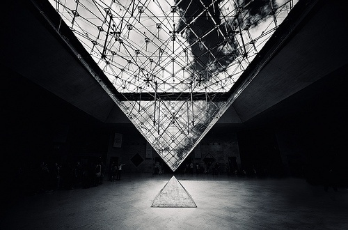 Mylo Xyloto #glass #architecture #pyramid