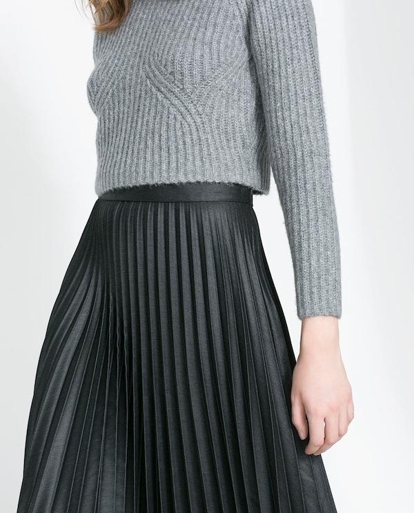 pleated4.jpg (600×744) #fashion #skirt #pleated #gray