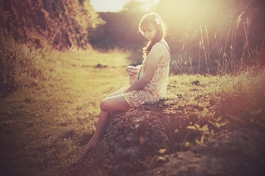 Looks like good Photographs by Alexandra Sophie #model #focus #pink #orange #direction #photography #soft #art #lighting #colour