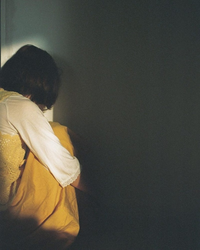 Sensitive and Visceral Photography by Li Hui